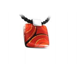 Wisiorek z Czerwonej kolekcji 35