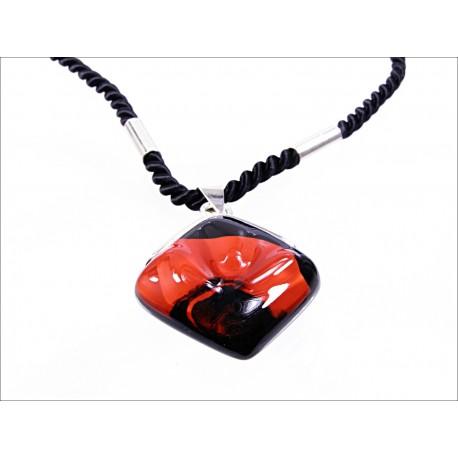 Wisior karo w oprawie z kolekcji Maki Czerwone 25