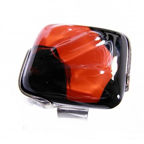 Pierścionek w oprawie z kolekcji Maki Czerwone 30