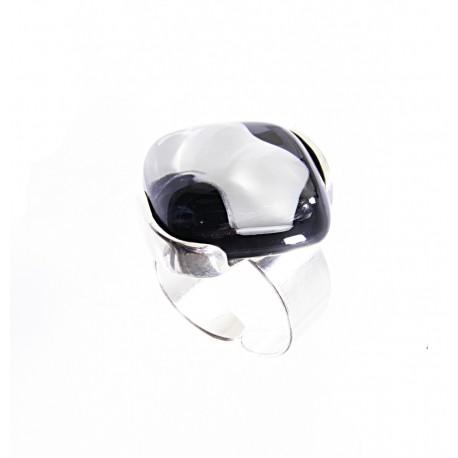 Pierścionek karo w oprawie z kolekcji Maki Białe 20