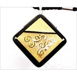 Wisior karo w oprawie z kolekcji Klimt 55