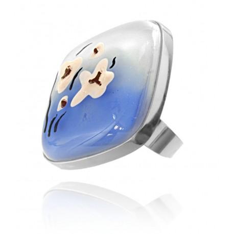 Pierścionek w oprawie z kolekcji Magnolia Niebieska 30